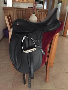 Kieffer Sydney Dressage Saddle Knoxfield Knox Area Preview