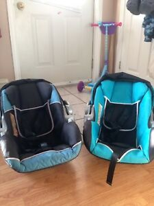 Double stroller and seats