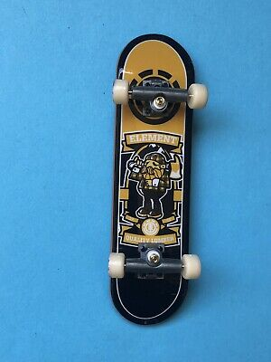 Tech Deck Bam Margera Element Fingerboard  excellent New