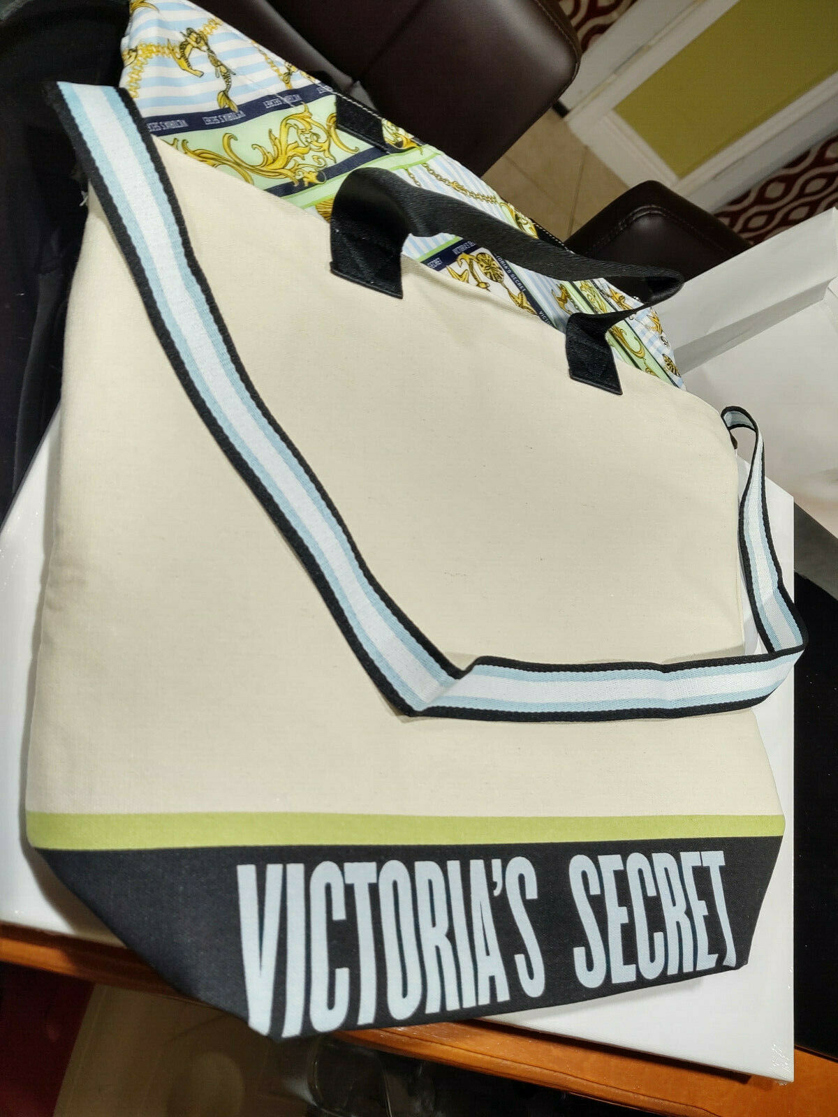 VICTORIA'S SECRET TOTE COOLER | INSULATED CANVAS LARGE SHOUL