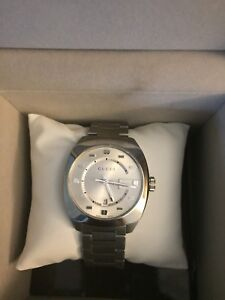 100% Authentic Brand New Men's  Gucci Watch