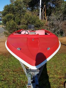 14ft fibreglass boat 100hp evinrude outboard Callington Murray Bridge Area Preview