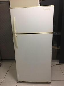 Kelvinator Frodge Shellharbour Shellharbour Area Preview