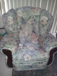 3 piece lounge with 2 recliners Queenstown Port Adelaide Area Preview