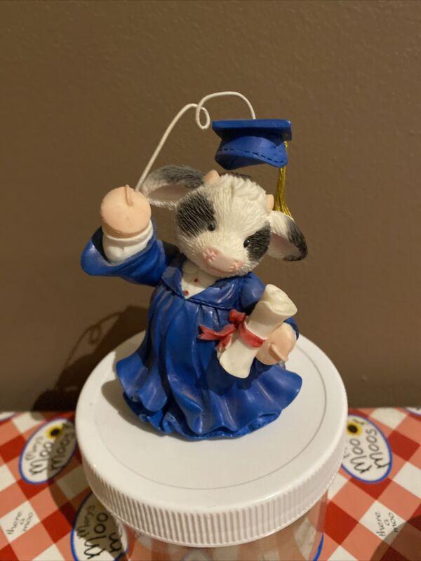 1997 Mary Moo Moos COWGRADUATIONS Cow Graduate w/ Diploma figurine