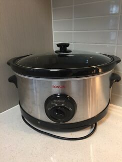 6L  Slow cooker with recipe book