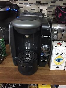 BOSCH Tassimo Coffee Maker with T discs