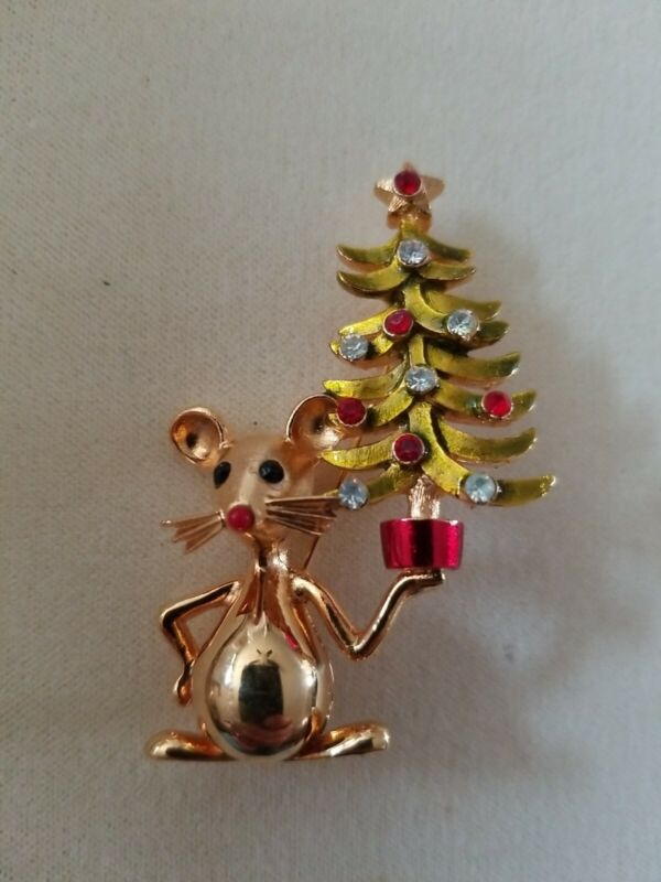 Vtg Signed MYLU Mouse Holding Christmas Tree Pin Brooch