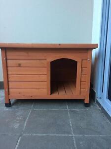 Medium dog kennel Braddon North Canberra Preview