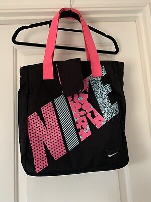 Womans Brand New Nike Bag With Purse And Lots Of Pockets Gym