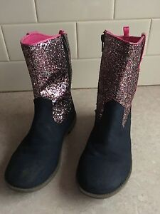 Girls pumpkin patch boots size 3 Pearcedale Casey Area Preview