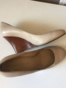 Leather nude wedges size 10