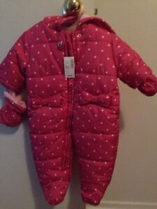 Baby girl snow suit  new with tags