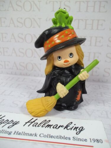 Hallmark 1982 Halloween Merry Miniature Cute Witch w/Broom & Frog