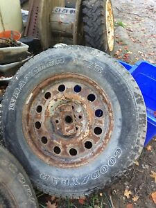 6 bolt ford spare LT275/65/18