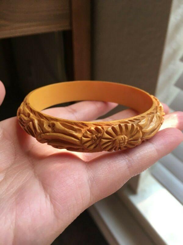 Vintage Sunflower Carved Butterscotch Bakelite Bangle Bracelet Tested