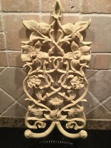 "HomeSense heavy Cast Iron 2 Hook Wall Decor 15 1/2"" H x 8"""