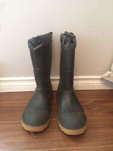Men's Insulated Rubber Boots Size 5