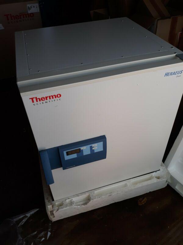Thermo Scientific Heraeus Oven