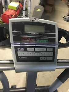 NordicTrack CXT 910 Elliptical  London Ontario image 2