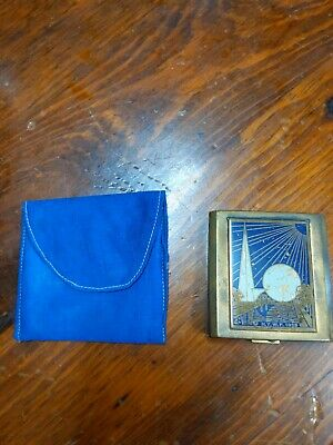 Vintage 1939 New York World's Fair Compact