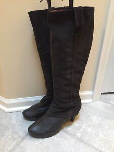 Women's size 9.5 grey MARC suede and leather boots