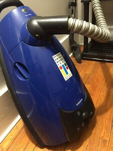 Samsung canister vacuum