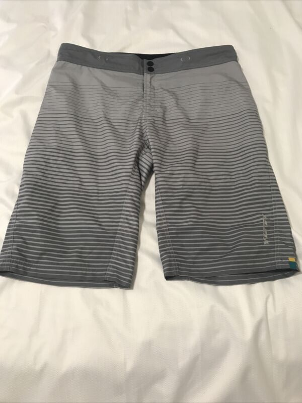 Yeti Mountain Bike Shorts Size XL Gray Striped Adjustable Vented Race Shorts