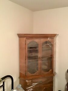 Buy Or Sell Hutches Amp Display Cabinets In Vernon