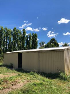 Shed in Drouin for sale