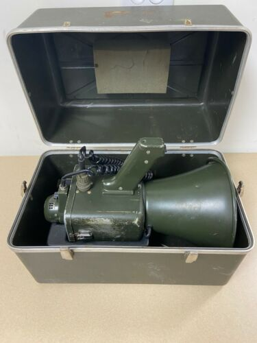 Arkay AN/PIQ-5 PA Bullhorn US Military Surplus with Hard Case