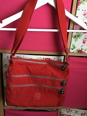 Kipling Alvar Large Bag In Beautiful Condition In Red And 4 Large Compartments