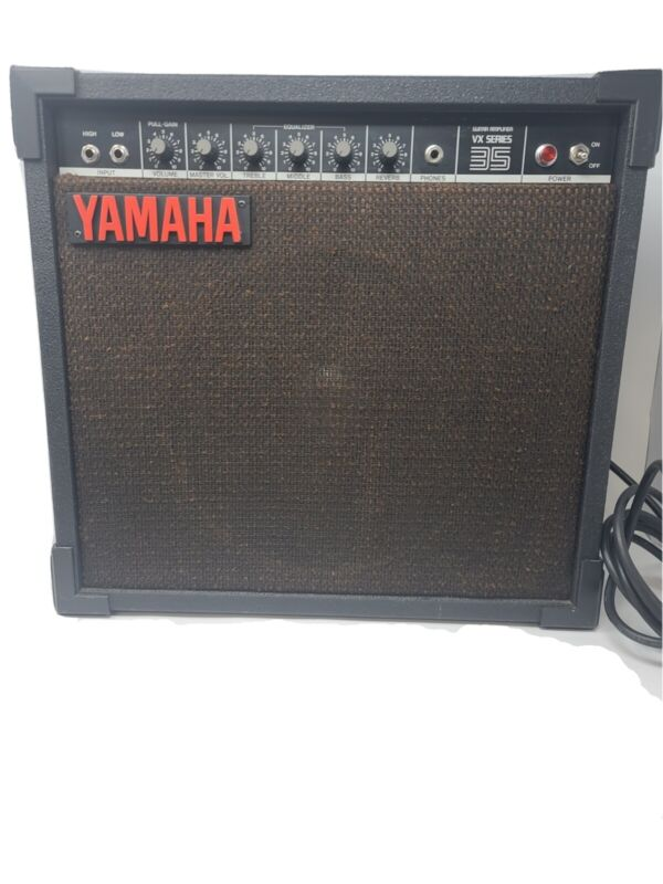 YAMAHA VX Series 35 Guitar Combo Amp Great Condition Tested and Clean