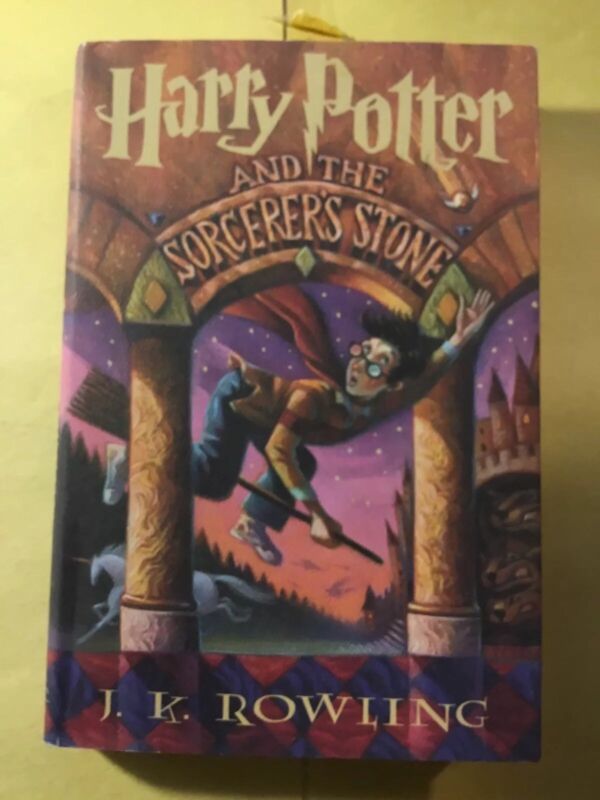 Harry Potter and the Sorcerers Stone Year 1. Hardbound W/DJ. JK. Rowling. Magic2