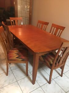 Maple Kitchen Table w/6 Chairs