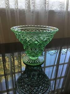 Green Vase with Frog Kingswood Penrith Area Preview