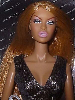 Fashion Royalty   Itbe Gold Glam Adele   Mib With Dress   Shoes   Rare