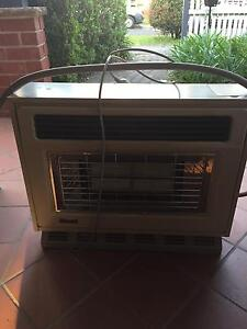 Rinnai gas heater with fan North Willoughby Willoughby Area Preview