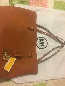 Michael Kors Purse *NEW*