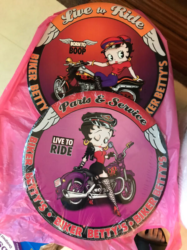 Betty Boop Signs And Heavy Round Plaque