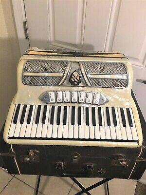 Accordion La Scala Made in Italy 120 bass.