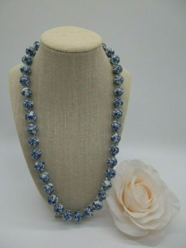 """Vintage Asian~Chinese Necklace Blue & White Porcelain Round Beaded 24"""""""