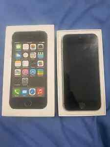 IPHONE 5S unlocked Palmerston Gungahlin Area Preview