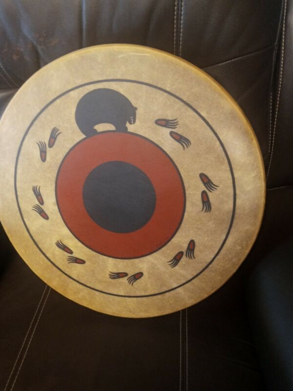 **AWESOME VINTAGE  NATIVE AMERICAN RAWHIDE HAND  DRUM SIGNED 💯 SHAMAN DRUM **