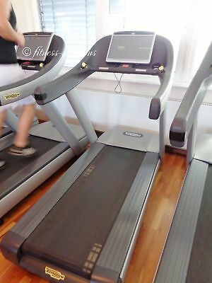 Technogym Run Now 700 Visio Web TV Internet  ...Top Zustand Fitness & Jogging Crosstrainer