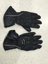 Brand new motorbike gloves. Female Cloverdale Belmont Area Preview