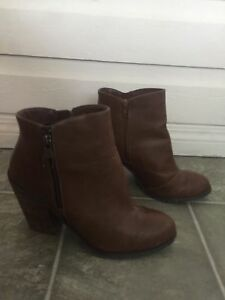 Size 11 brown Spring boots