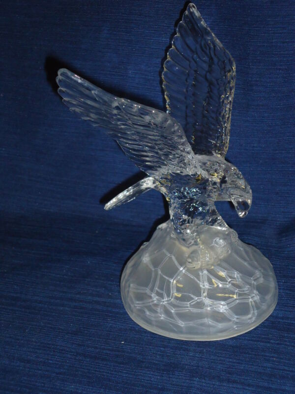 "7.75"" GLASS EAGLE FIGURINE"