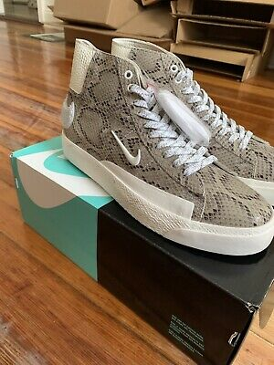 Nike SB Blazer Mid Soulland FRI.day 03 Size 9 (including a look book)