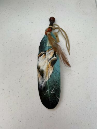 NEW HAND PAINTED FEATHER , ARTS & CRAFTS ,SOUTHWEST ART , NEW , HOWLING WOLF 1